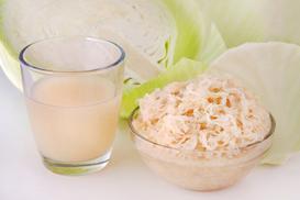 Sok z kiszonej kapusty - zalety, zastosowanie, właściwości odżywcze