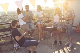 Grill na balkonie - czy można go robić? Wyjaśniamy krok po kroku