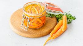 Kiszona marchewka na zimę w słoikach - 4 sprawdzone przepisy