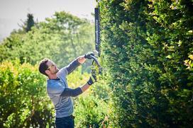 Akumulatorowe narzędzia ogrodowe – pracuj szybko i mobilnie