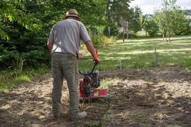 Czym się kierować przy wyborze glebogryzarki do ogrodu?