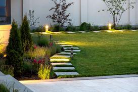 Strefy oświetlenia ogrodu, tarasu i fasady domu