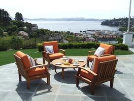 Wybieramy meble ogrodowe na taras. Co sprawdzi się najlepiej?